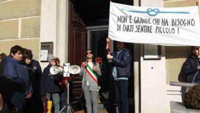 Photo of Studenti manifestano contro il bullismo