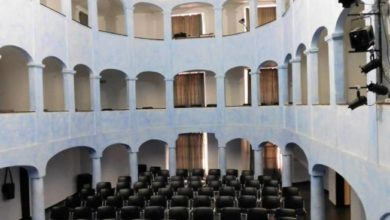 Photo of Savona: l'Antico Teatro Sacco… si tinge di rosa