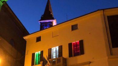 Photo of Castel Rocchero: finestre 'tricolori' al Palazzo Comunale