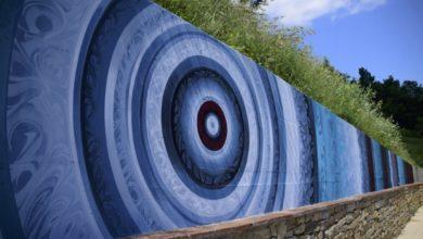 Photo of Cossano Belbo: un'area piscina con murales street art dipinto da ZeBo