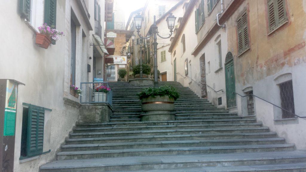 Ovada, scalinata Roma