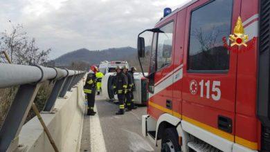 Photo of Altare, incidente in autostrada, auto ribaltata