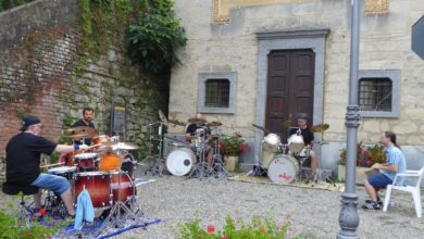 Photo of Tornano i Guerrilla Drummers con due flash-mob a Orsara e Visone