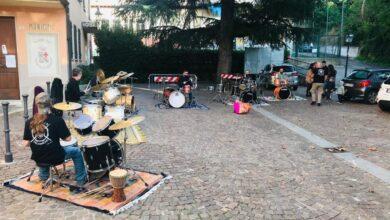 """Photo of """"Guerilla Drummers"""" in concerto nel borgo di Castelletto d'Orba"""